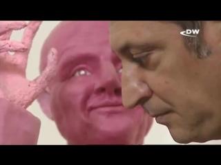 Как Маурицио Савани создает скульптуры из жвачки