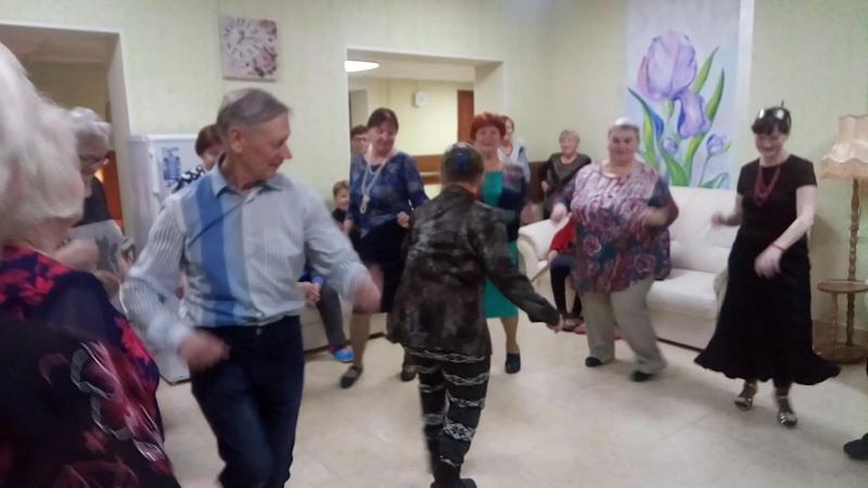 Валя, танцуй!