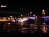 Дворцовый мост разводят под классическую музыку - прямая трансляция