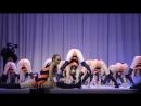 Пчёлка Девушка танцует TWERK