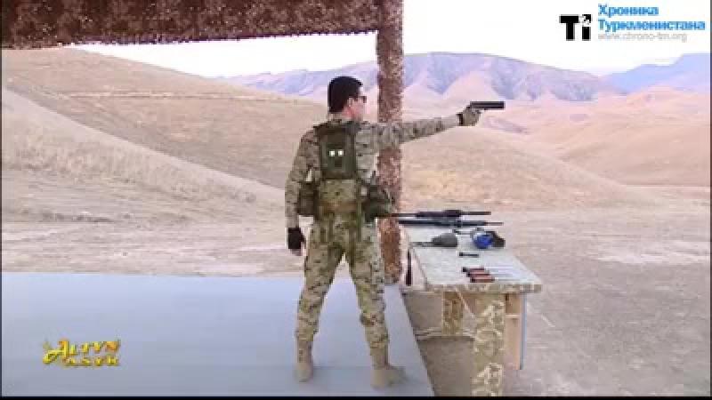Прэзідэнт Туркменістана вучыць ваенных. Лол, што?