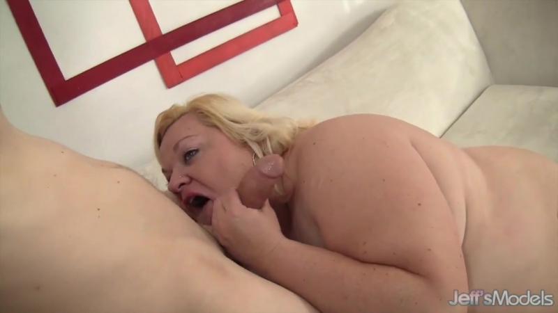chubby-woman-blowjob