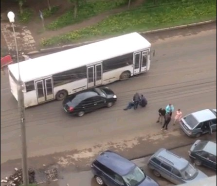 ВКирове наПроспекте Строителей набольшой скорости сбили пешехода 12+