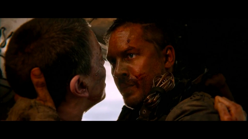 Безумный Макс: Дорога Ярости | Mad Max: Fury Road (2015) Макс Спасает Фуриосе Жизнь