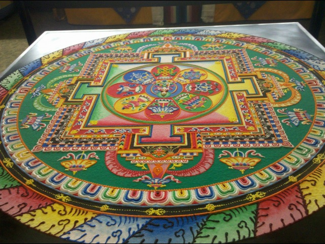 Mandala de Arena Tibetano (time-lapse)