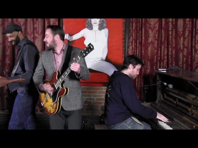The New Mastersounds Coming Up Roses Stripped down MoBoogie Loft Session