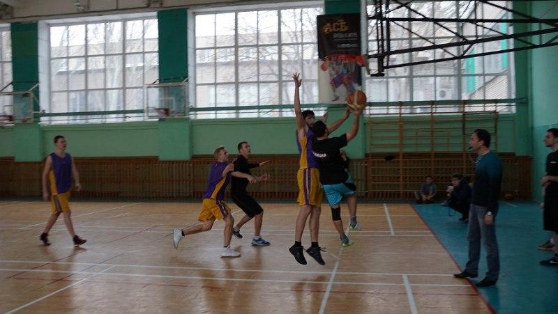Команда по баскетболу донского Главка МВД одержала победу в заключительном этапе всероссийской акции «Студенческий десант»