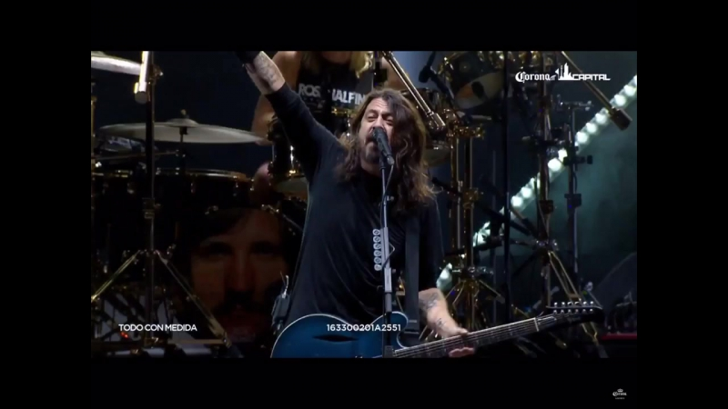 Corona Capital 2017. Foo Fighters, tributo a Malcolm Young (AC-DC).