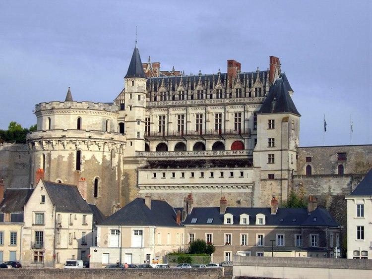 Замок Амбуаз: историко-архитектурный комплекс во Франции
