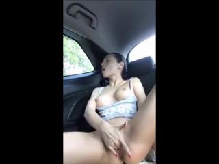 порно пальцами в машине фото