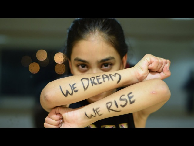 GirlRising - Twinkle - (DancerTwinkle) - Bollyshake - WeDreamWeRise Nashe Si Chadh Gayi - Befikre