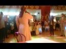 Священник, на свадьбе красиво поёт.