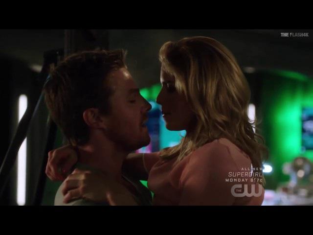 Oliver Felicity Kiss - Arrow 5x20 Flash Back - Part 10