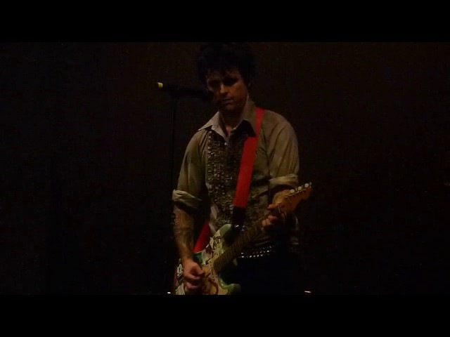 Billie Joe plays on his first guitar from his mom - Christie Road, Green Day in Chicago, 2016