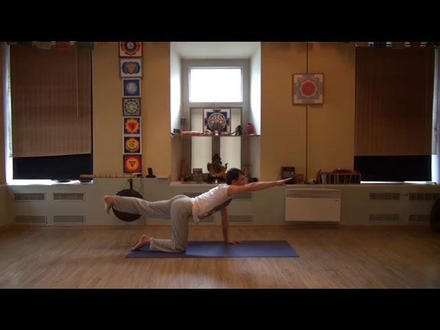 Йогатерапия: упражнения для позвоночника