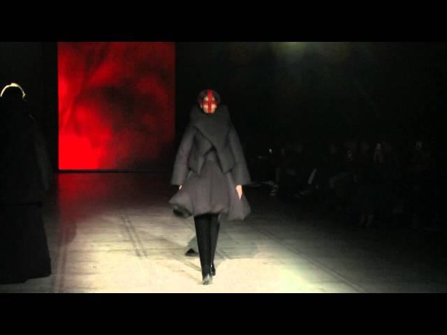 「ガレス・ピュー」15/16年秋冬 Gareth Pugh - Womenswear Show A/W 2015/16 in London