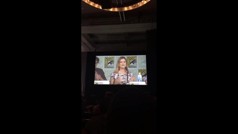 Eliza Taylor | SDCC the 100 panel | talks about Clarke closer