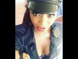 Jasmine Webb в униформе, полиция коп