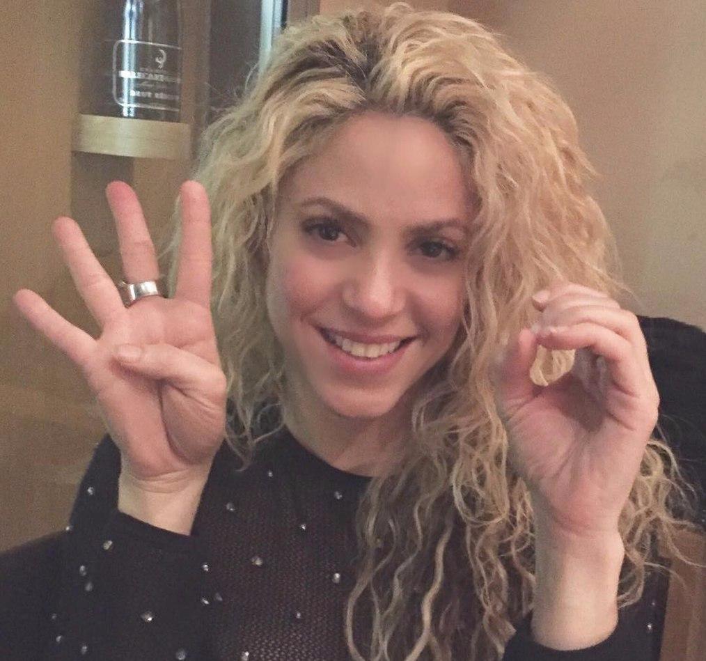 Жена Пике Шакира до матча с ПСЖ