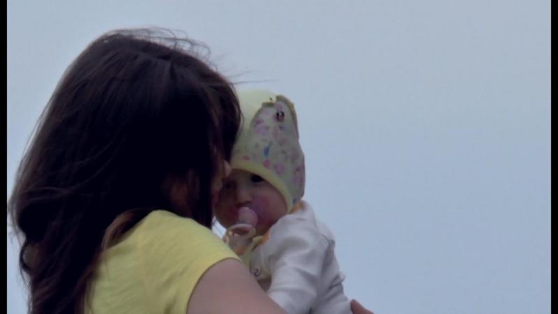 Музыка: Фридерик Шопен Нежность. Видео: съёмки в Уфе, Сочи, Геленжике, мама с ребёнком на набережной Самары.