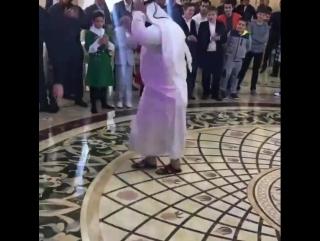 Араб зажигает в Грозном [Нетипичная Махачкала]
