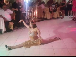 Amazing belly dance show with shamadan
