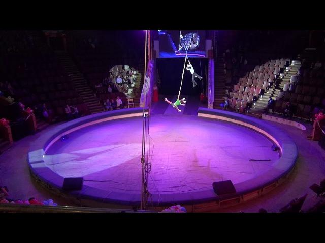 Воздушные гимнасты на ремнях «Ну, волк погоди» Ирина Недогода и Вячеслав Еремин