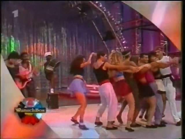 Kaoma Lambada Chorando se Foi live.