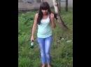 Девушка бьёт бутылку об голову ЗА ВДВ