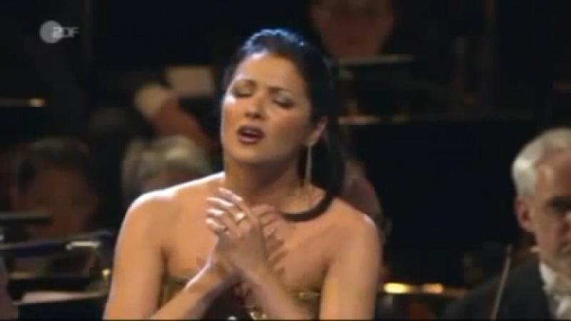 Анна Нетребко - Casta Diva