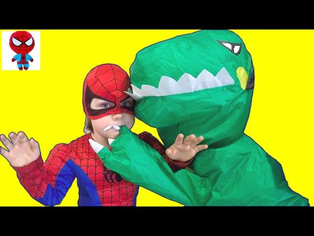 СТРАШНЫЙ ДИНОЗАВР у нас Дома Dinosaurs GIANT LIFE SIZE DINOSAUR Kids Video Видео про Динозавров