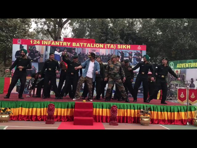 Shah Rukh Khan || Celebrates Republic Day with JAWANS|| Chal chaiyaa chaiyaa ||