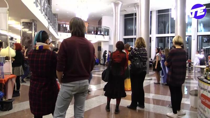 Ищем создателя Скуби-дуби-ду Алекса Симонса! Стрим админа ТЕ с фестиваля фантастики в Екатеринбурге.