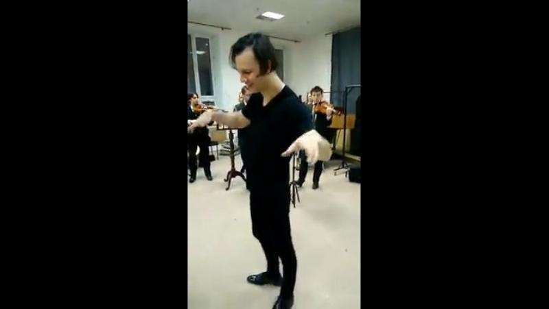 Репетиция арии на бис в антракте концерта Энигма 26.02.17. Пермь.