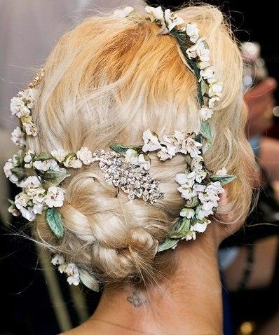 Модные свадебные прически от Dolce and Gabanna