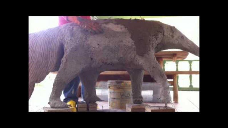 Escultura em concreto de Tamanduá Bandeira - Ant eater concrete statue