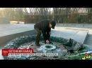 Вкиевском Парке славы зажгли Вечный огонь чашу которого вандалы вновь залили цементом