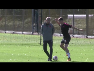 Rob Holding vs Arsène Wenger in training this morning