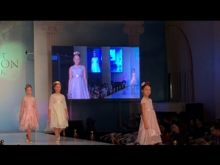 Показ от Bella Monella на Estet Fashion Week