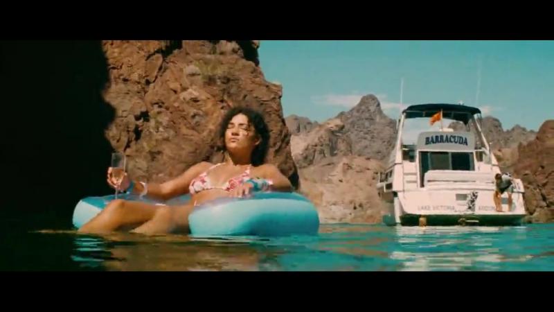 Келли Брук Голая - Kelly Brook Nude - Piranha 3D (2010)