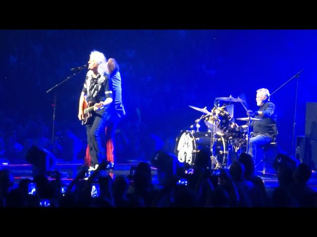 Queen Adam Lambert - Somebody To Love @ TD Garden Boston 07/25