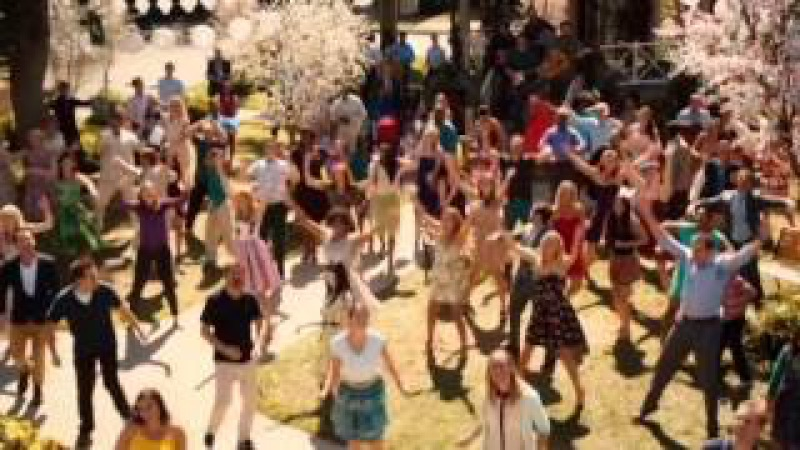 Long Live The Hart - Hart Of Dixie Cast (Sing-along with the lyrics!)