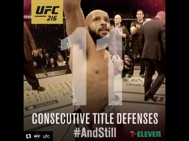 👊 @ufc RECORD BREAKER! @MightyMouse125 AndStill x11!! UFC216 💪 P4P 1 🥇 GOAT 🐐