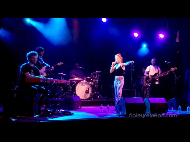 Haley Reinhart Behave Mic Check Better Tour Paris