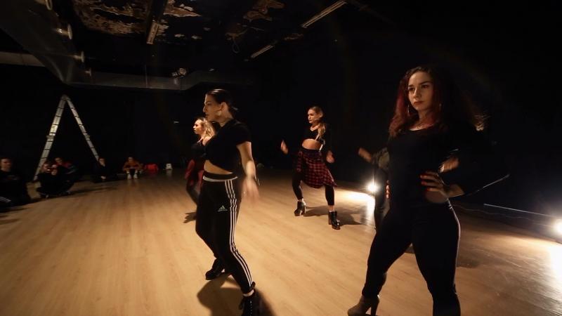 NARGIZ RADZ | Selena Gomez - Me and my girls. HIGHHEELS