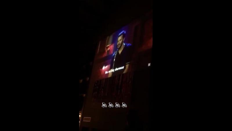 Yaaa Elçin,Barış bütün ekip karaoke gecesinde