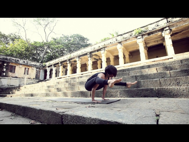 Ashtanga Vinyasa Yoga Demo Deb Williams