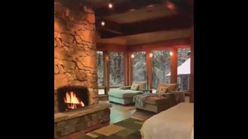 Дом в глубинке Леса, медленно падающий снег и треск дров в камине... Разве не Прек ...