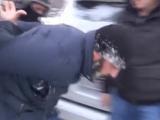 В Самаре СОБР задержали мужчину, подозреваемого в ограблении.