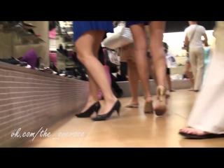 Под юбкой в обувном магазине 1 (Oversee - Подглядывание за девушками)1